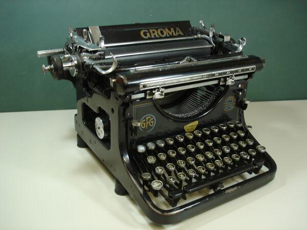 translation missing: de.preview GROMA Schreibmaschine