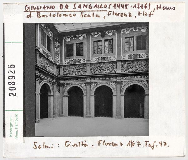 Vorschaubild Florenz: Haus des Bartolomeo Scala, Hof. Architekt: Guiliano da Sangallo