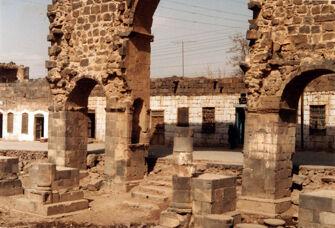 Vorschaubild Bosra, Syrien, Bab-al-Qandil (Lampentor), Rückseite
