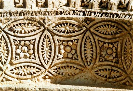 translation missing: de.preview Palmyra, Schmuckdekor am Fahnenheiligtum