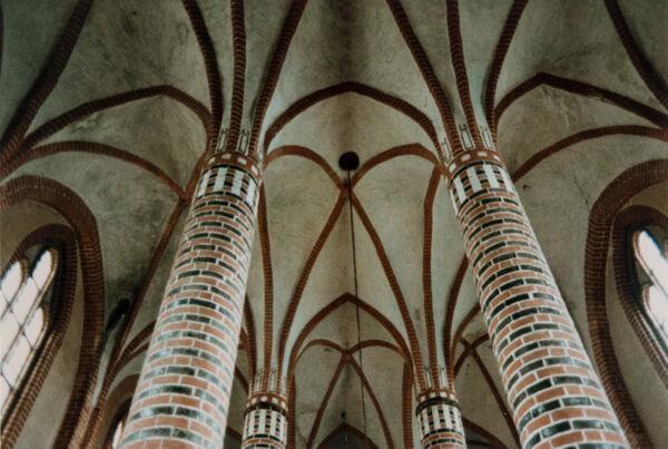 Vorschaubild Pfarrkirche (Foto 1986)