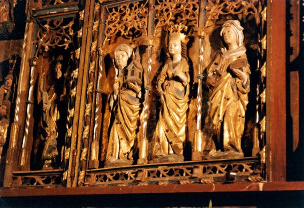Vorschaubild Stiftskirche St. Maria, St. Johannes und St. Elisabeth, Flügel, weibliche Heilige (Foto 1990)