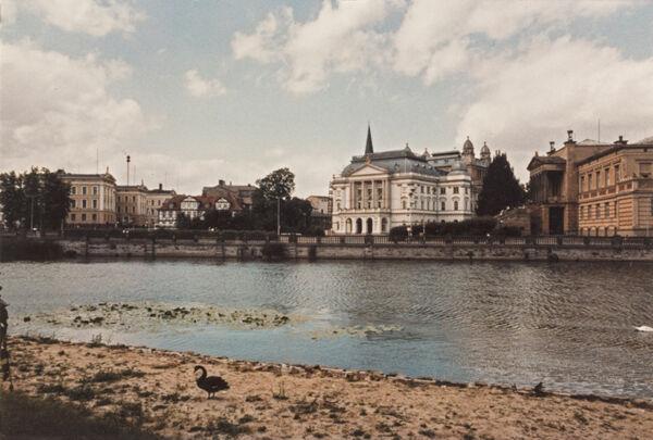 Vorschaubild Theater und Museum von der Schlossinsel aus (Foto 1983)